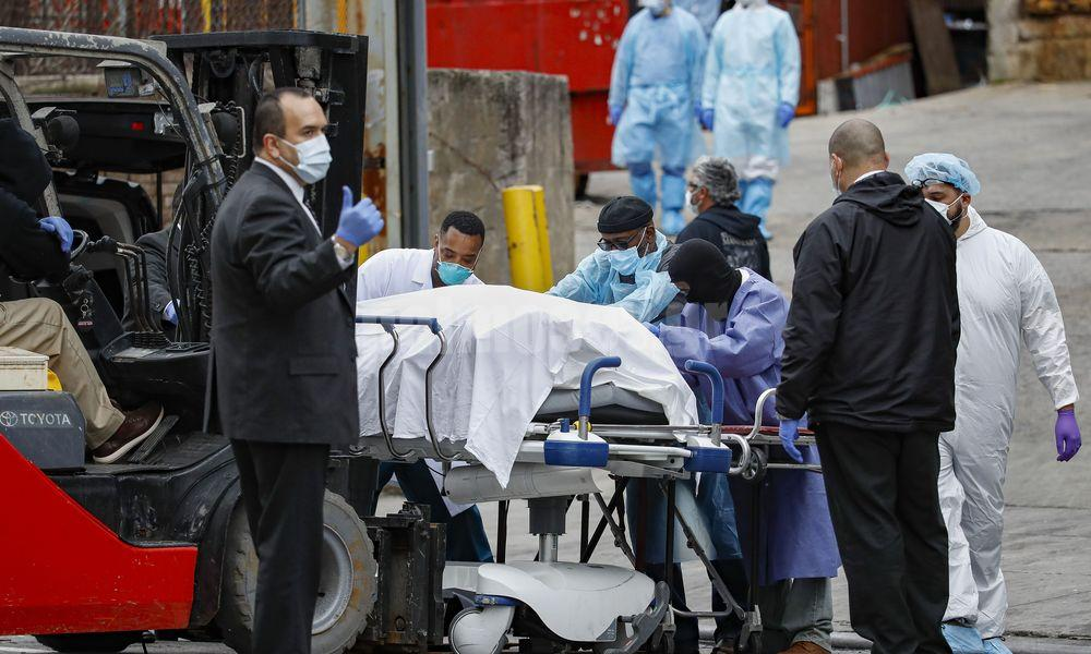 Ραγδαία αύξηση των θανάτων από κορονοϊό στις ΗΠΑ: Ακόμη 884 νεκροί σε 24 ώρες